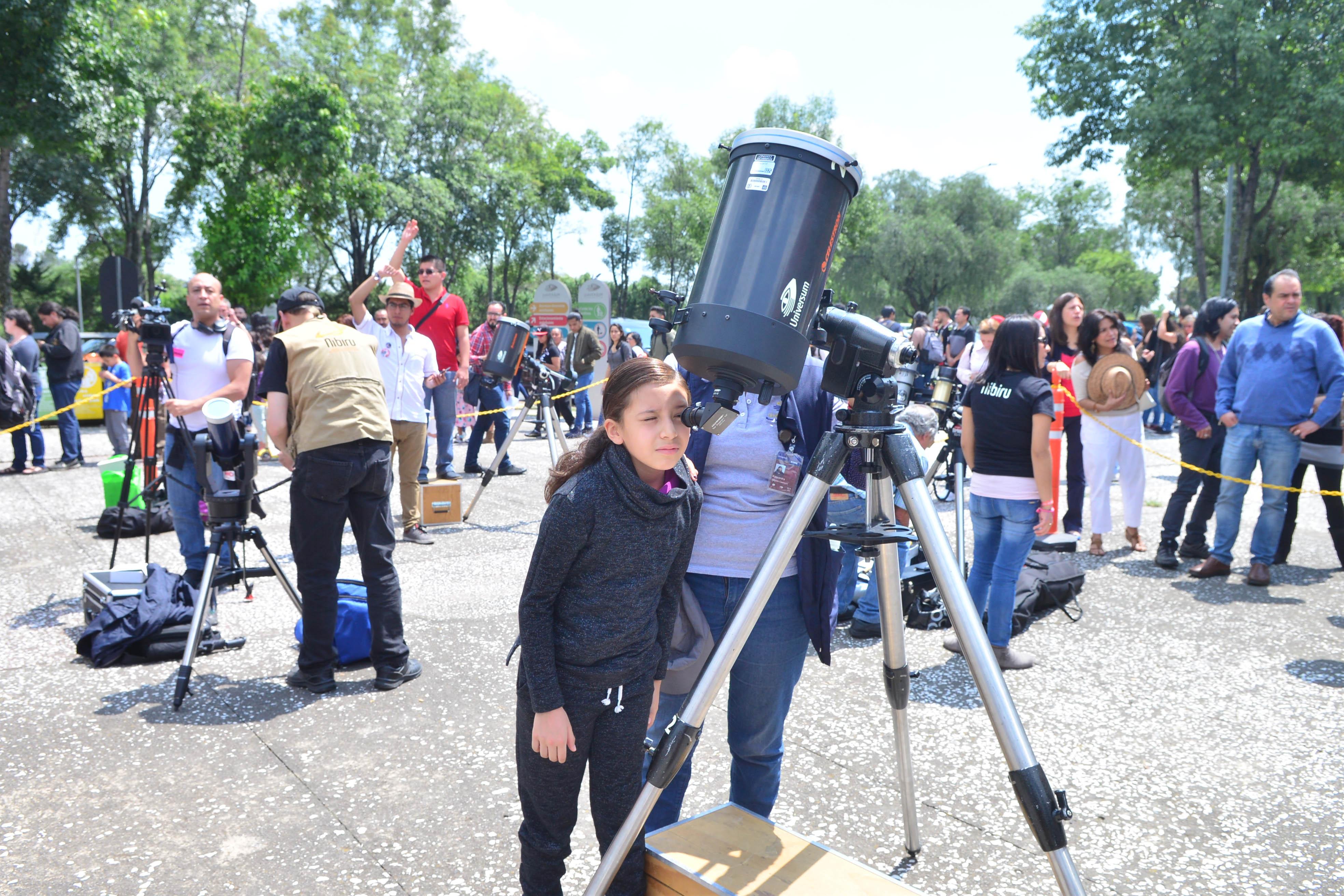 Día de fiesta en la UNAM para aprender y disfrutar del eclipse de Sol